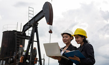 Petroleum Engineering Principles, Calculations and Workflows